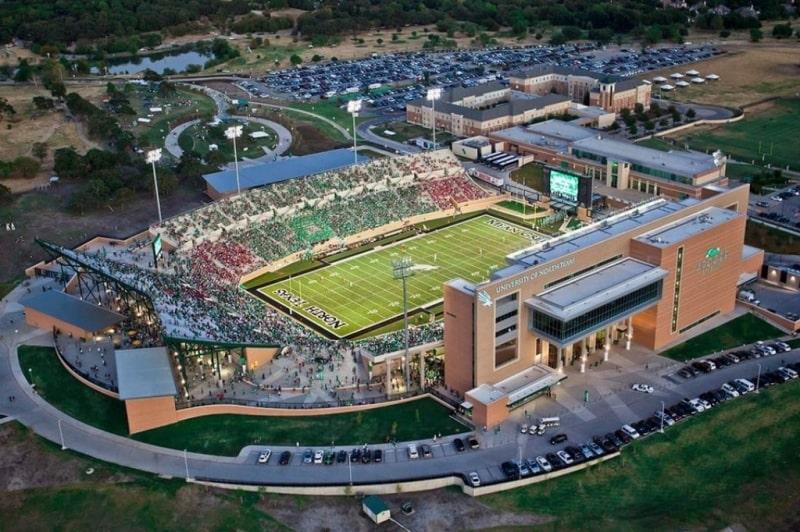 Sân-vận-động-của-trường-University-of-North-Texas-Du-học-Edupath