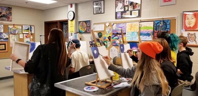 Lớp-học-vẽ-của-Superior-Collegiate-Vocational-Institute-Du-học-Edupath