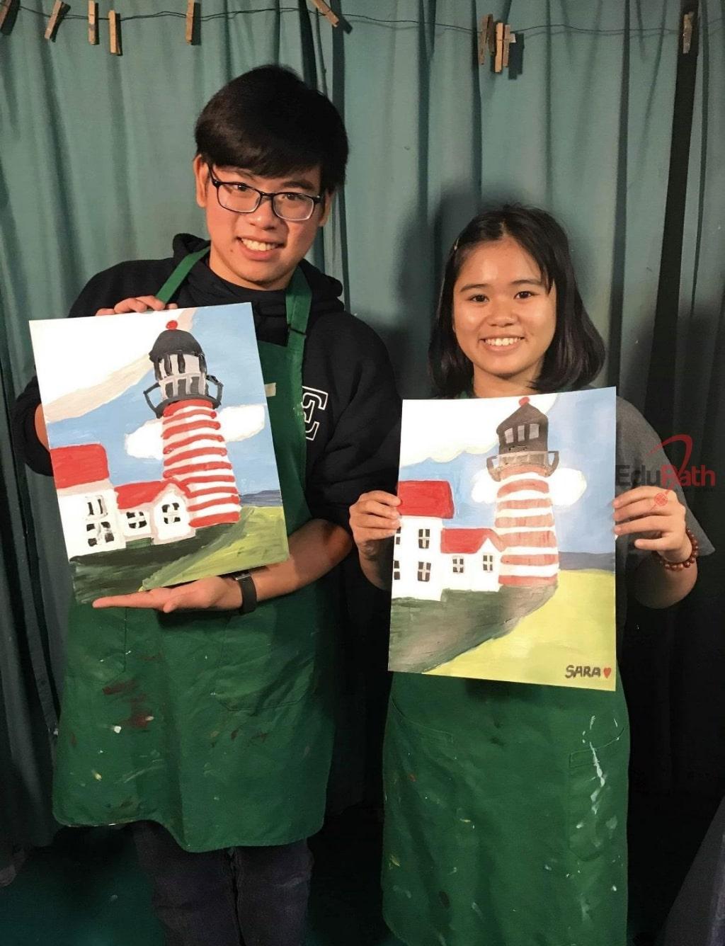 Diệu Quỳnh tham gia hoạt động của trường cùng Hoàng Phước