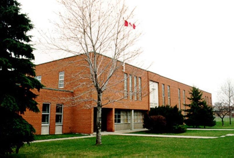 Khung-cảnh-trường-Saint-Albert-Catholic-Schools-Du-học-Edupath