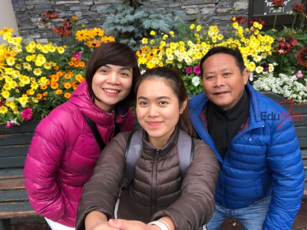 Gia đình anh Nguyễn Hữu Xuyên