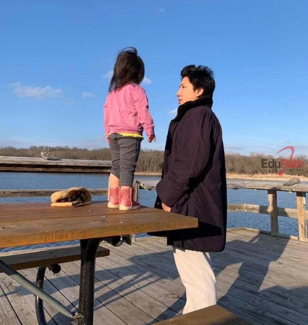 Đỗ Luật cùng con gái tại Mỹ