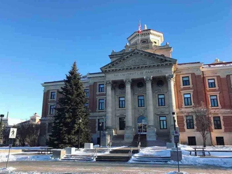 Cổng-trường-University-of-Manitoba-Du-học-Edupath