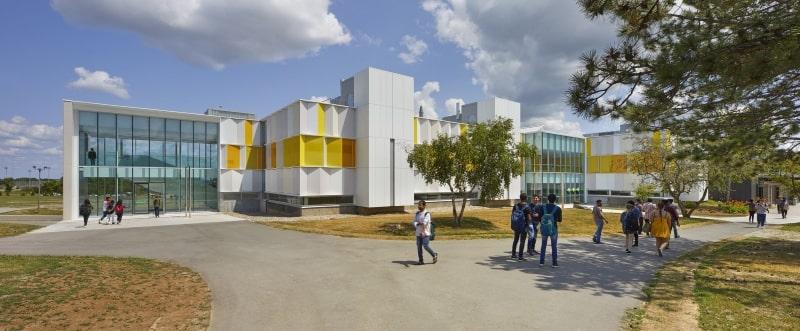 Khuôn-viên-của-trường-Fleming-College-Du-học-Edupath