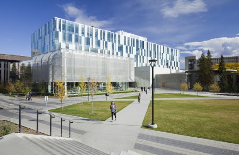 Khung-cảnh-bên-ngoài-University-Of-Calgary-Du-học-Edupath