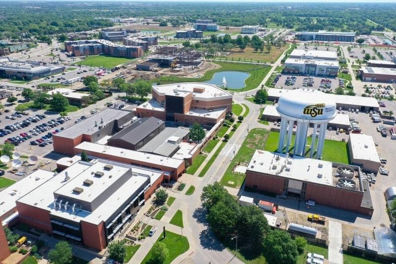 Khung-cảnh-tổng-quát-của-Wichita-State-University-Du-học-Edupath