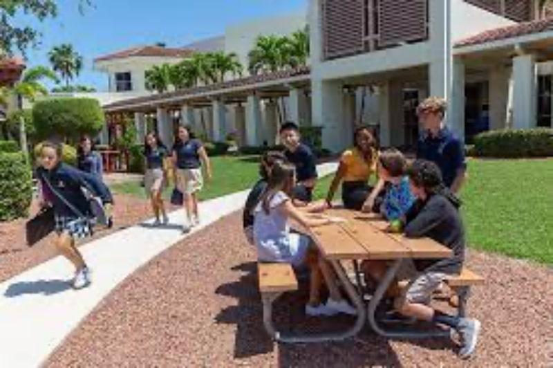 Trường-Saint-Edward's-School-Du-học-Edupath