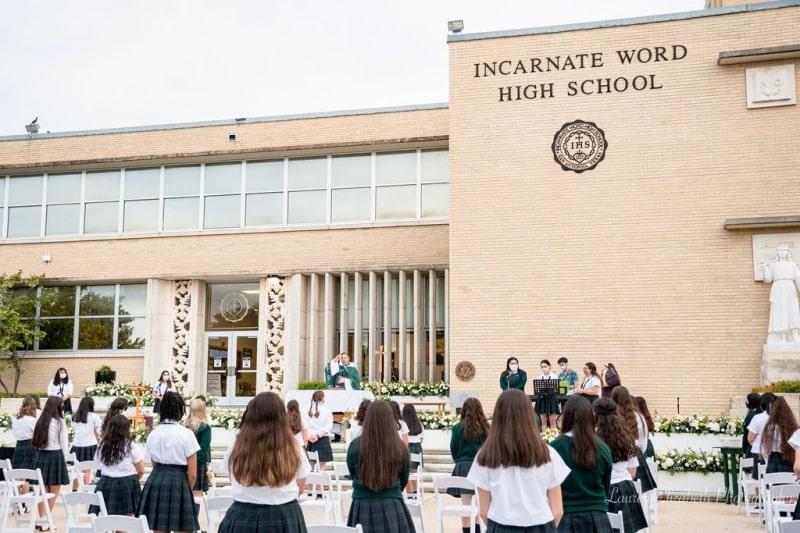Incarnate-Word-High-School-Du-học-Edupath