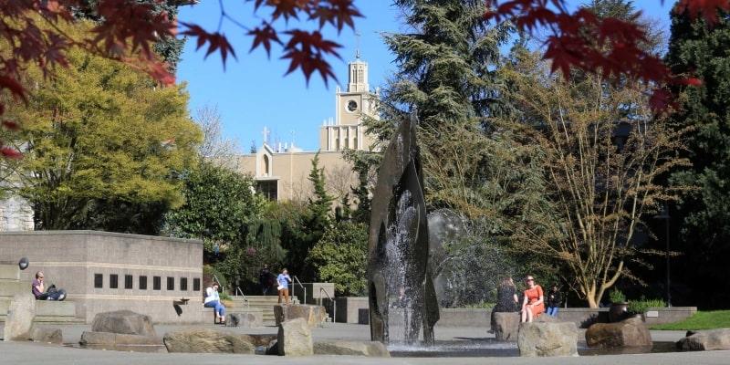 Khuôn-viên-trường-Seattle-University-Du-học-Edupath