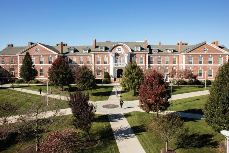 Khuôn-viên-của-trường-University-of-New-Haven-Du-học-Edupath