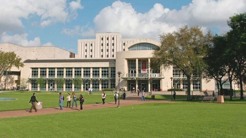 Khuôn-viên-trường-University-of-Houston-at-Main-Campus-Du-học-Edupath