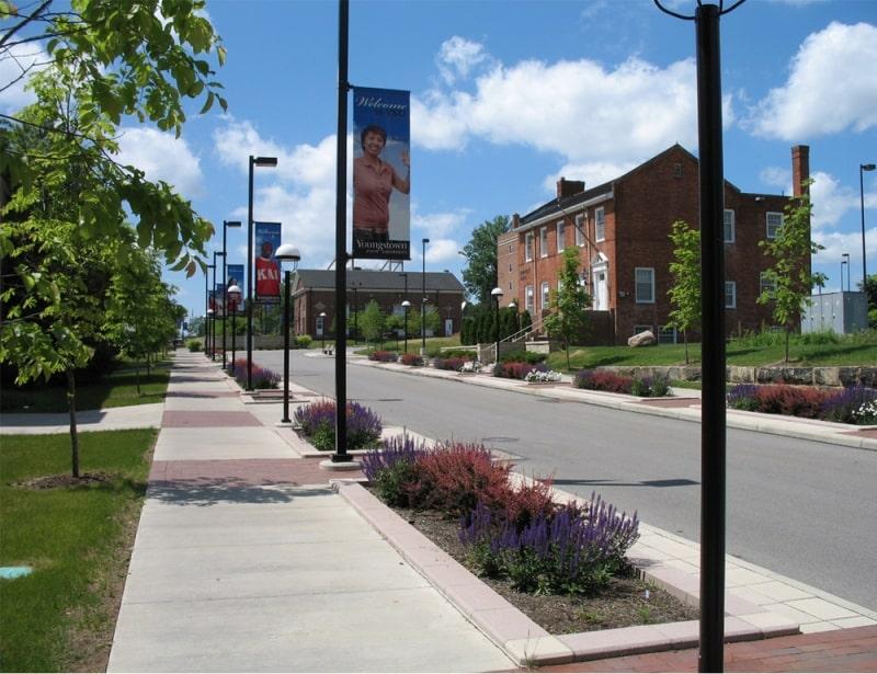 Khuôn-viên-trường-Youngstown-State-University-Du-học-Edupath