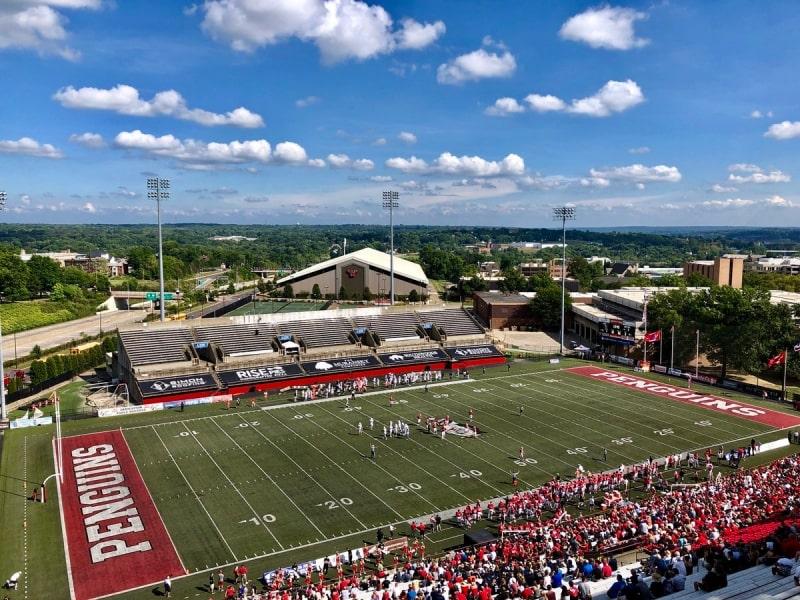 Sân-vận-động-của-trường-Youngstown-State-University-Du-học-Edupath