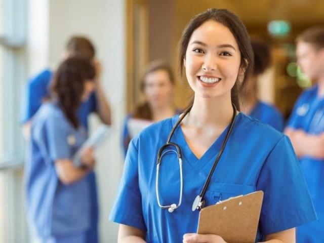 Nữ điều dưỡng khi du học Canada - EduPath