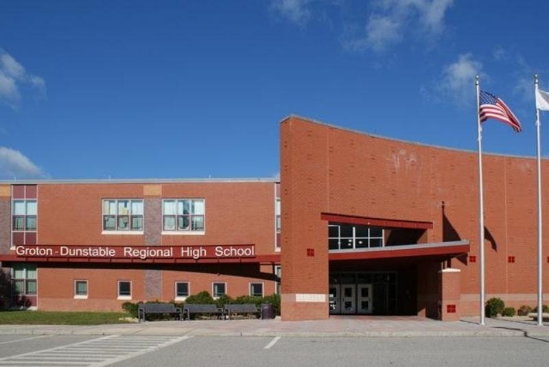 Groton-Dunstable-Regional-High-School-Du-học-Edupath
